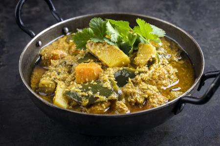 Sweet Potato Curry in Bowl Standard-Bild