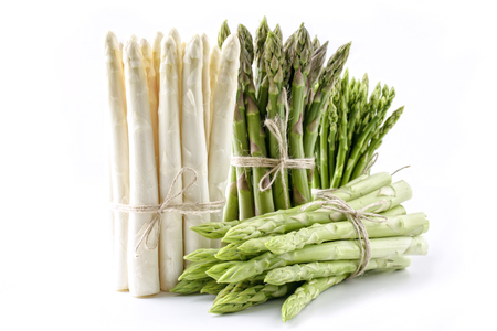 isoliert: Green and White Asparagus - isolated