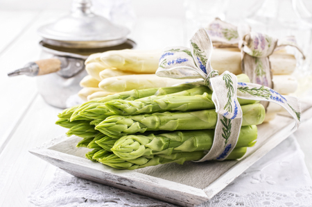 fine tip: Green and White Asparagus