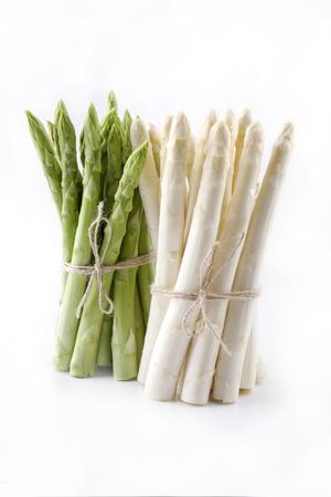 녹색과 흰색 아스파라거스 - 절연 스톡 콘텐츠