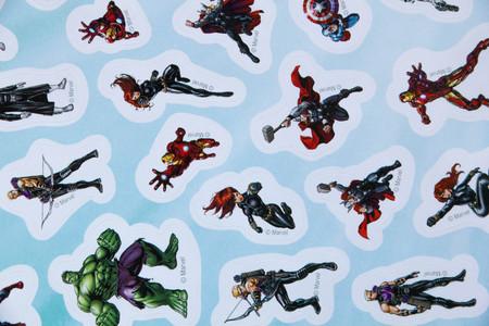 avenger: Moscú, Rusia - 03, 29, 2016: Marvel Superheores pegatinas para los personajes de dibujos animados los niños de los libros y películas Editorial