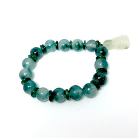 green gemstone: Green gemstone bracelet a cute jewelry from nature great for any use.