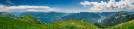 Panoramic view of Lake Como as viewed from  Monte Tremezzo, Lombardy, Italy Banque d'images