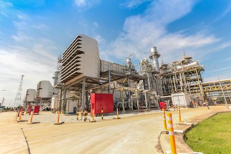 Gas turbine electrical power plant with blue sky