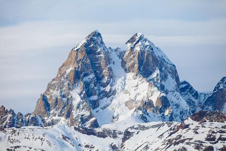 The summit of mount Ushba in Caucasus range 版權商用圖片 - 37603970