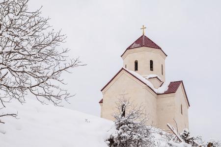 svaneti: La Iglesia Ortodoxa de Georgia en Svaneti en �poca de invierno