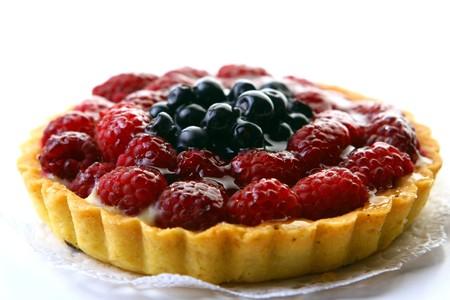 frutas divertidas: dulces postre hecho con baya