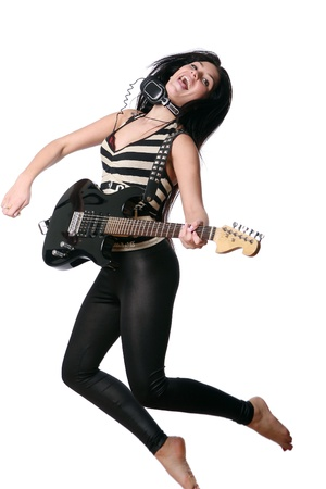 guitarra sexy: feliz sonriente adolescente tocando guitarra