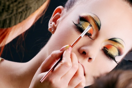 Making Beautiful and Artistic Make Up photo