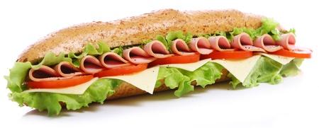 bocadillo: S�ndwich fresco y sabroso en el fondo blanco
