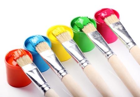tavolozza pittore: Primo piano di bombolette di vernice colorata