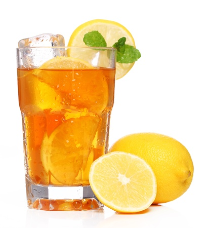 ice water: Fresh and cold ice tea with sliced lemon and mint