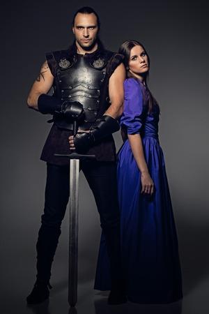 historische: Mooi paar met historische kostuums Stockfoto