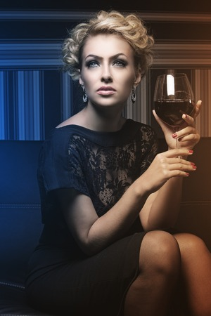 donne mature sexy: Donna dolce e affascinante, con i segreti sconosciuti