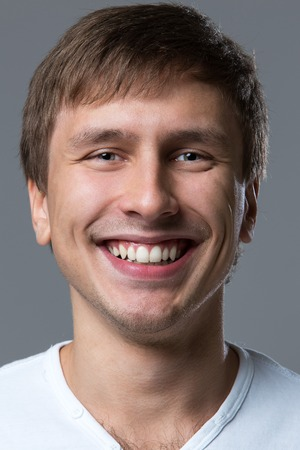 caras emociones: El hombre hace un montón de cara las emociones locas