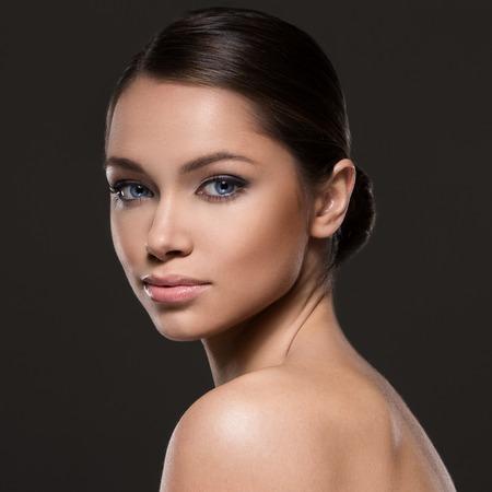 mature people: Carino donna con il bel volto