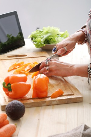 food woman: Alimentation Femme de salade