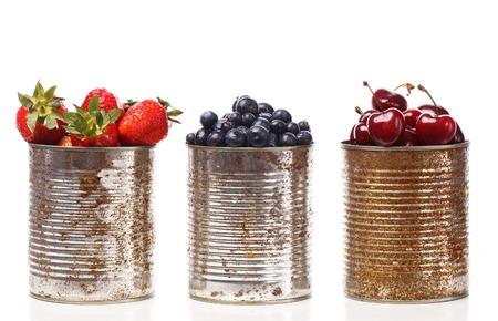 pot light: Food  Tasty berries on the table