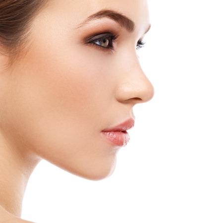 美容、スパ。魅力的な女性の美しい顔を持つ 写真素材