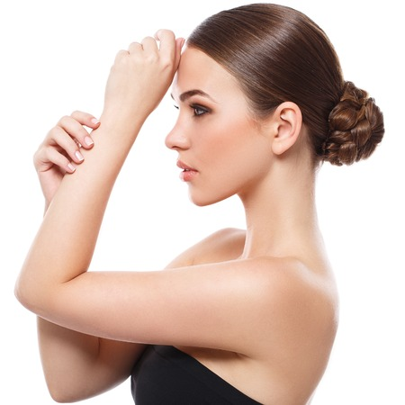 cuerpo femenino perfecto: Belleza, spa. Mujer atractiva con la cara hermosa