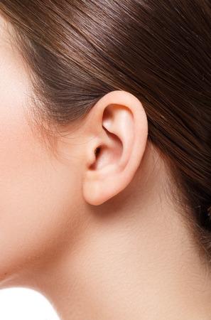 oreja: Belleza. Morena con piel suave