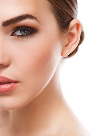 Schönheit, Spa. Attraktive Frau mit schönen Gesicht