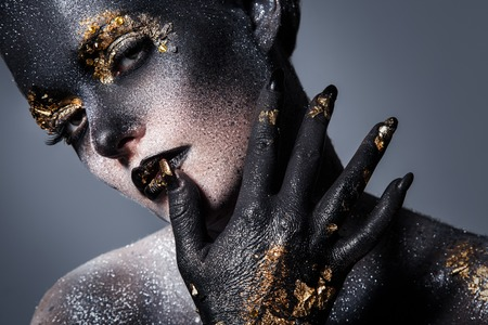black girl: Schönheit. Schönes Mädchen mit großen Make-up-