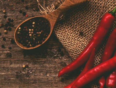 Pimienta de chile en la mesa