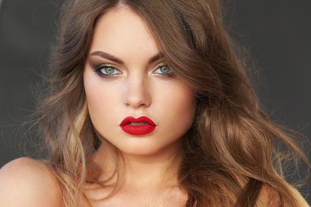 attractive gorgeous: Beautiful woman with blonde hair and red lipstick