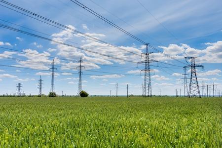 고전압 전기 변전소 에너지 파일론