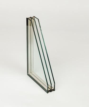 Una sección transversal de ventana Diseño de perfiles de pvc para ventana, selección transversal de triple acristalamiento