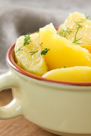 raw gold: Boiled potatoes with dill and butter