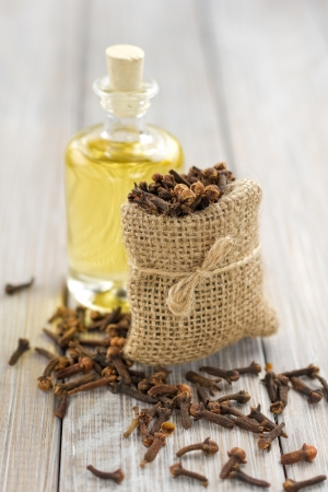 cloves: Clove oil
