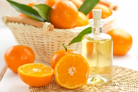 Tangerine essential oil Stock Photo - 16916585
