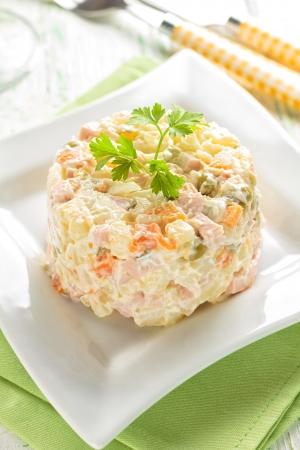 russian salad: Ensalada Olivier
