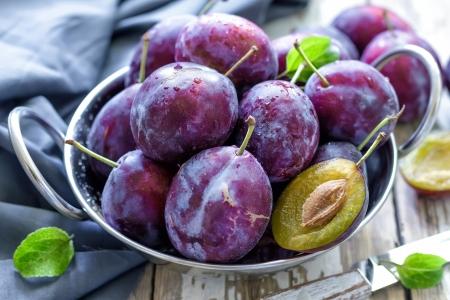 nourriture: Prunes Banque d'images