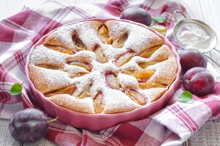 german food: Plum cake