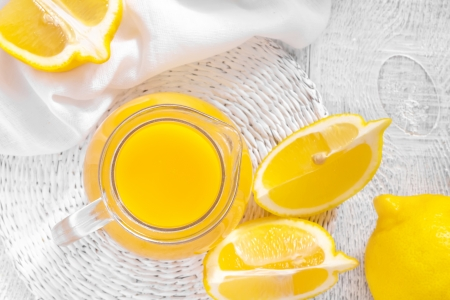 jus de citron: Le jus de citron Banque d'images