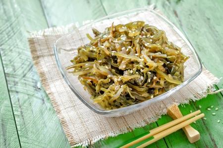 alga: Seaweed salad