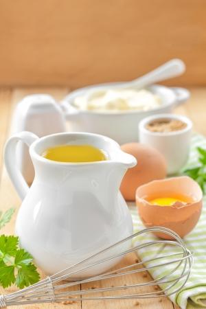 mahonesa: Ingredientes para la mayonesa Foto de archivo