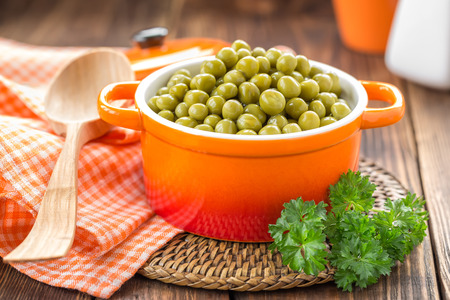 canned peas: Canned peas
