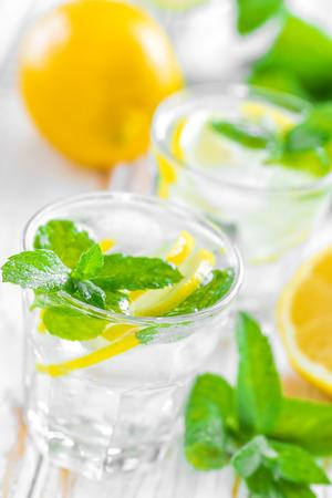 zumo verde: Lim�n beber Foto de archivo