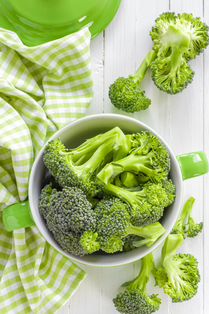 broccoli salad: Broccoli