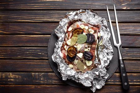 foil roll: raw pork