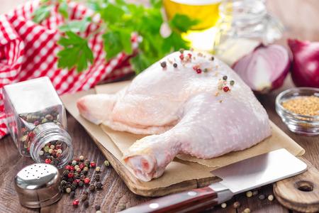 raw chicken: raw chicken leg