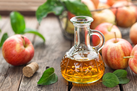 apple cider vinegar Standard-Bild