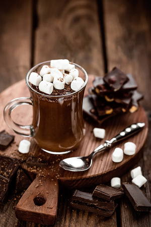 hot chocolate dessert with marshmallows on wooden background Zdjęcie Seryjne