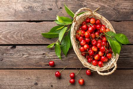 gean: Sweet cherry in basket