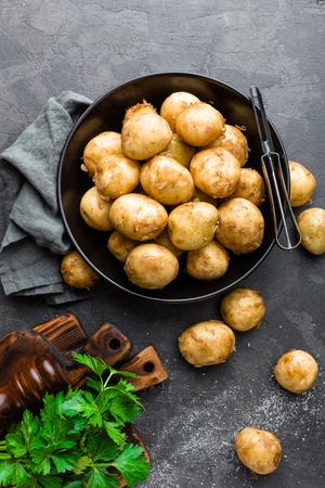 Raw potato Stock Photo - 81113003