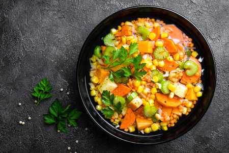 Healthy vegetarian vegetable soup with lentil and vegetables. Lentil soup with vegetables Фото со стока - 109947873